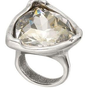 UNOde50  Star-Tremendous Swarovski Bezel Ring